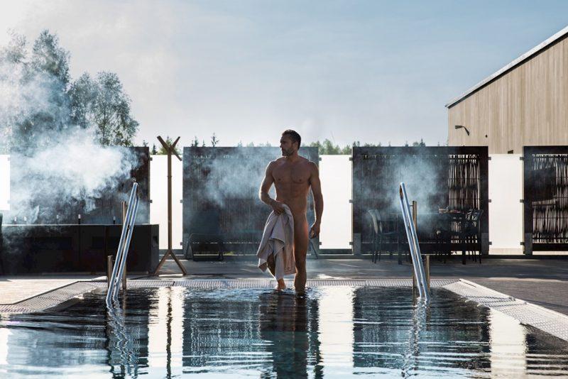 Forkjølet bade i basseng